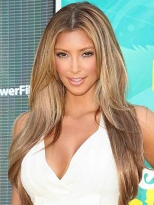 Perruque Marquante Lisse Avec Raie Au Centre De Style Kim Kardashian