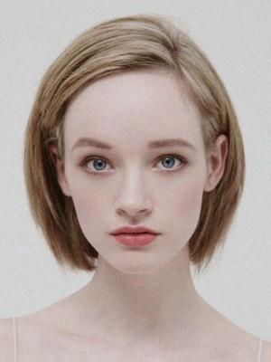 Perruque Lisse Lace Front Cheveux Naturels Marquante